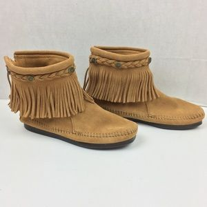 Minnetonka Hi Top Back Zip Fringe Boots Sz 6 297T